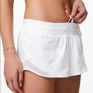 lululemon athletica Shorts - White lululemon hottie hot short